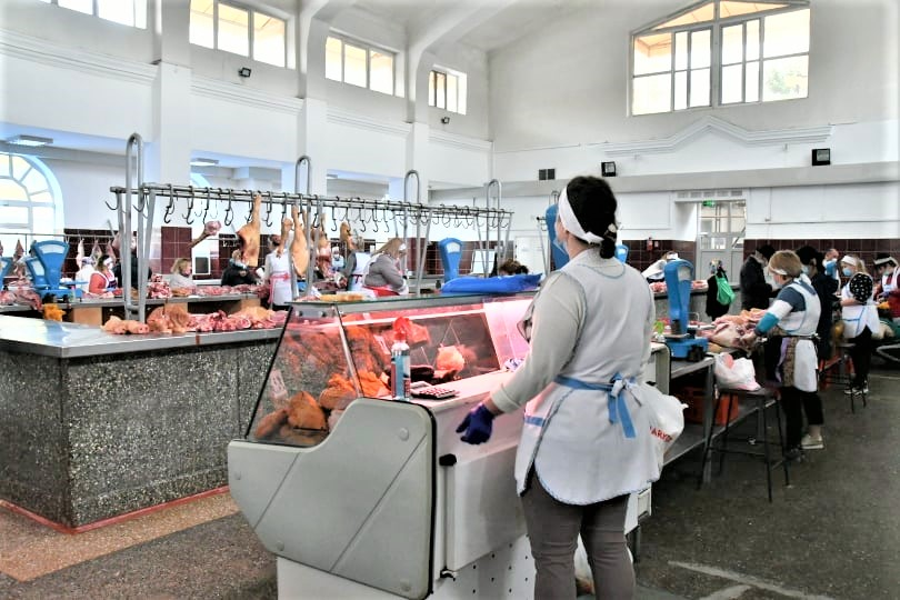 Piața Centrală comerț vânzători carne