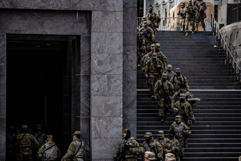 soldați